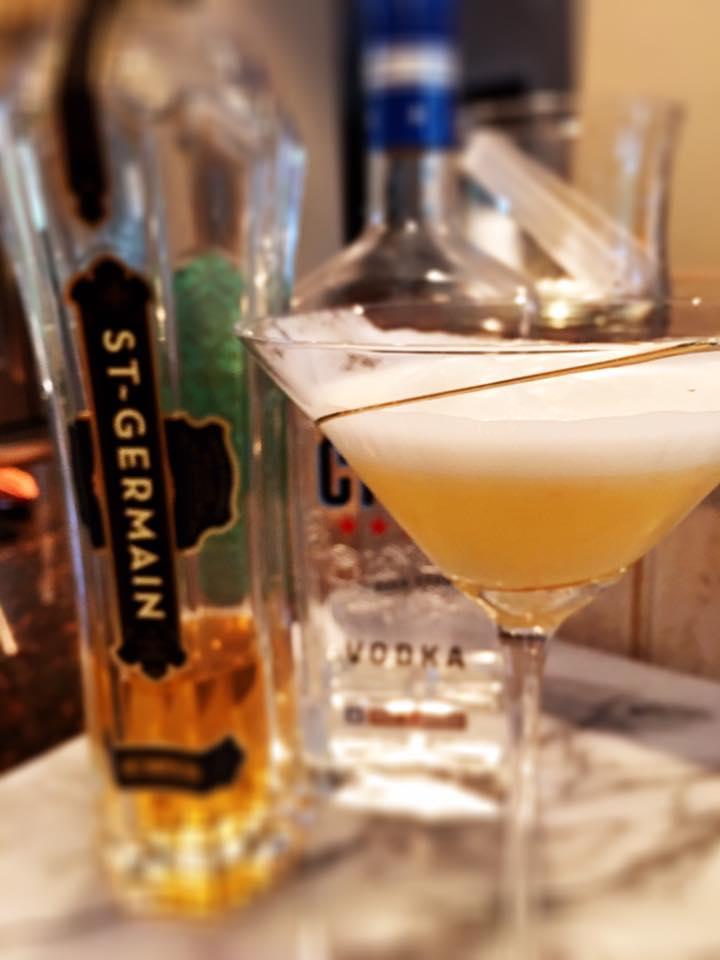 Skinny Elderflower Meringue Martini
