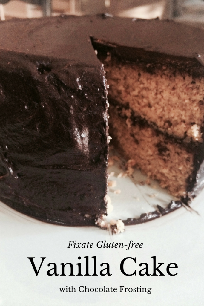 Fixate Vanilla Cake with Chocolate Frosting